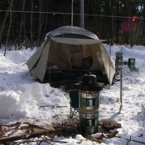 冬期のテント暮らしの様子