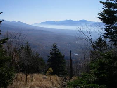 蓼科山高原を望む
