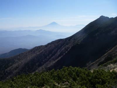 遠方の富士山