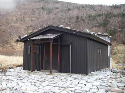 空木平避難小屋
