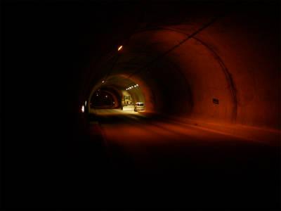 釜トンネル内部