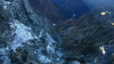 滝谷方面の凶悪な様子を見下ろす。