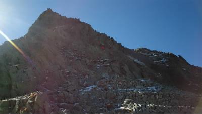 山荘出て直ぐの梯子場付近が危険箇所