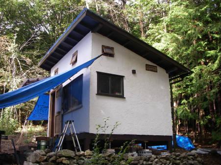作業前の小屋