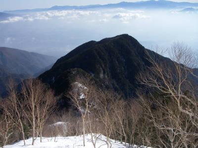 黒戸山を望む。