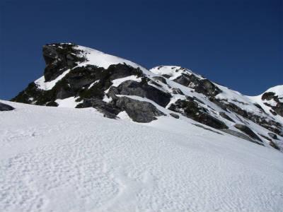 気持ちのよい雪稜歩き