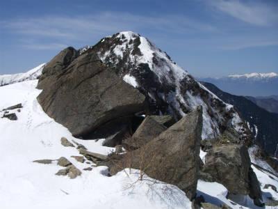 巨大な岩、六万石