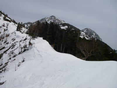 甲斐駒ケ岳が見えてきた。