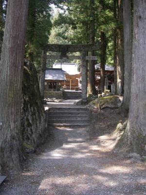 登山のお礼を言って神社を出る。