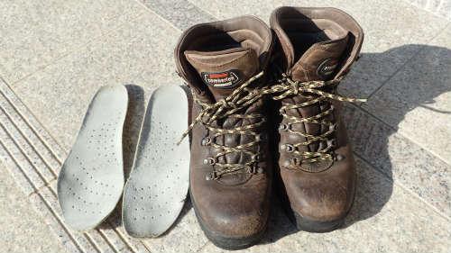四国遍路を登山靴で歩いて失敗する。