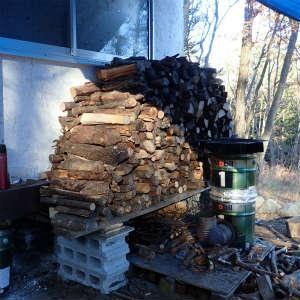 薪棚を作る