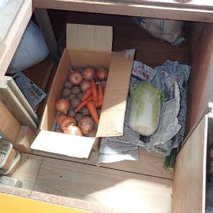 小屋暮らしの床下収納活用法