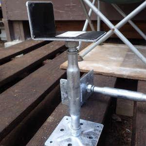 鋼製束の追加と床下のメンテナンス