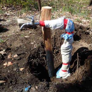 水道管に保温材を巻く