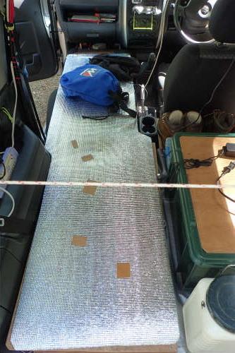 Jimny車中泊用ベッドに銀マット