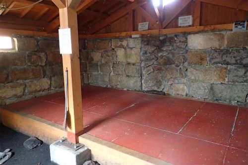 甲斐駒ヶ岳 6合目小屋 板の間