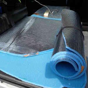 車中泊用の目隠し・断熱用の銀マットについて考えてみた