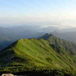飯豊山を周回コースで登る(3日目 御西小屋から飯豊山を経てダイグラ尾根で下山)