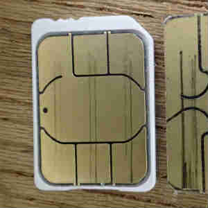 SIMカードのカット(microSIMからnanoSIMへ)を失敗して再発行した